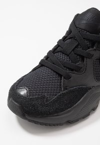 Nike Sportswear - AIR MAX FUSION UNISEX - Sneakers basse - black - 2