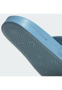 adidas Originals - ADILETTE LITE - Muiltjes - hazy blue/ftwr white/ftwr white - 6