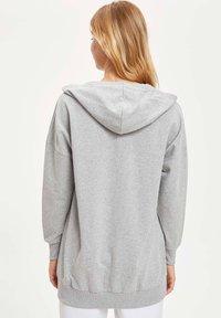 DeFacto - Zip-up hoodie - grey - 1