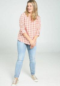 Paprika - Button-down blouse - blush - 1