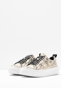 Vagabond - ZOE PLATFORM - Sneakers laag - sand/black - 4