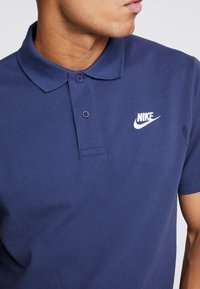 Nike Sportswear - M NSW CE POLO MATCHUP PQ - Polo - midnight navy/white - 5