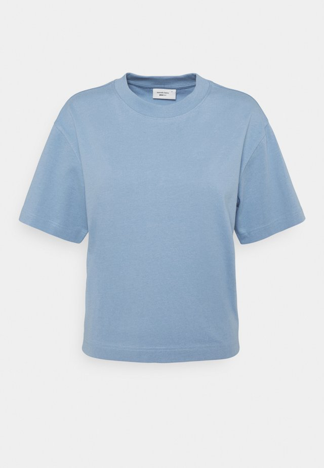 BASIC TEE - T-shirts - della robbia