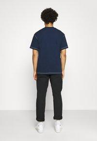 adidas Originals - TEE UNISEX - Basic T-shirt - collegiate navy - 2