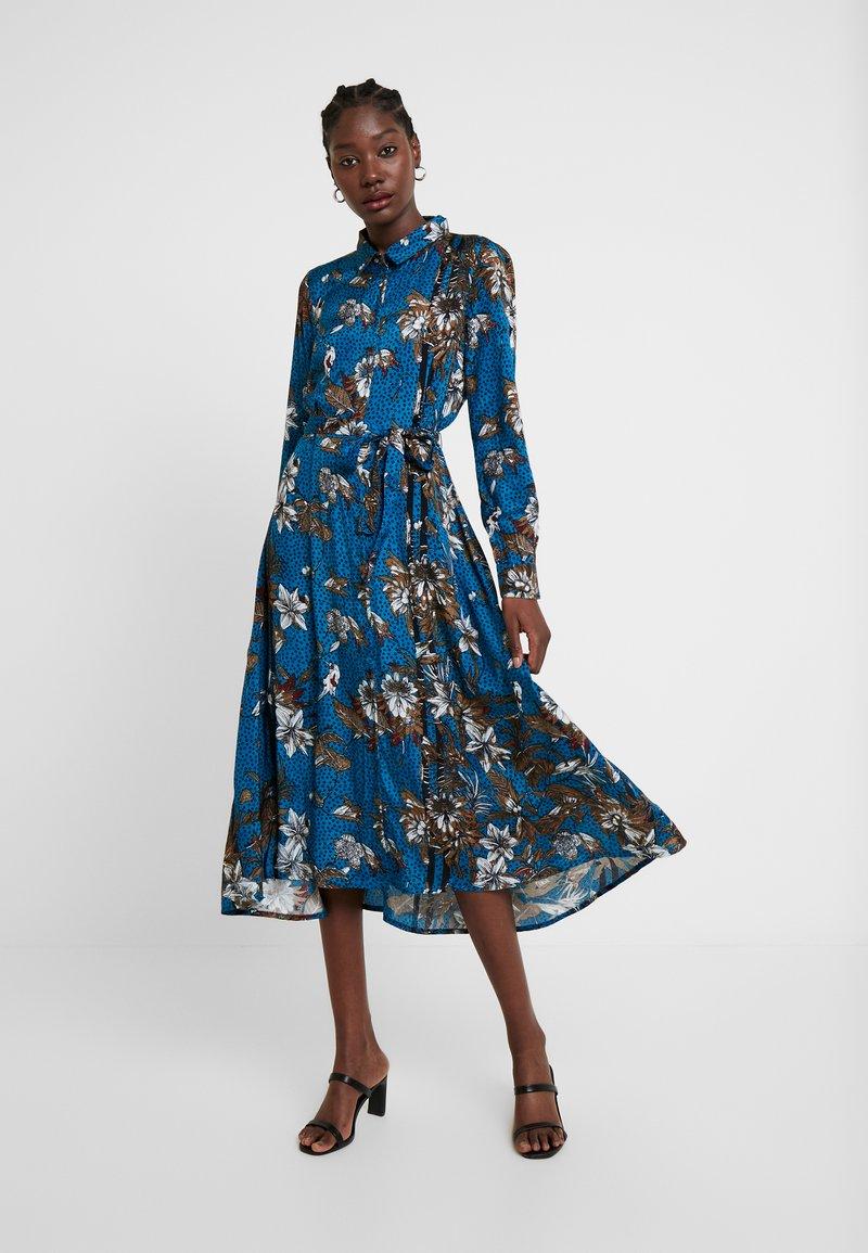 Kaffe - KADOTTI DRESS - Skjortklänning - moroccan blue