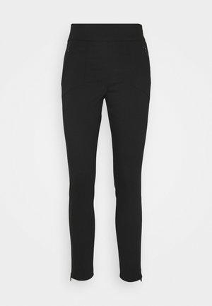 TECHNO CASUEL PANT - Pantalones - black