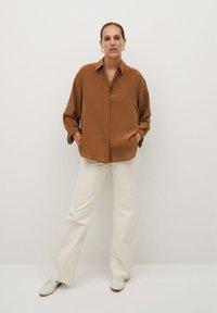 Mango - MADE - Button-down blouse - braun - 1