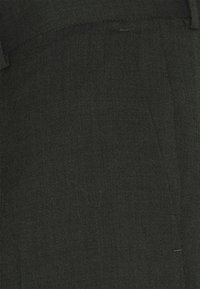 Isaac Dewhirst - SINGLE BREASTED SUIT - Kostym - green - 11