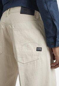 G-Star - GRIP 36 LOOSE - Flared Jeans - relz ecru denim o raw denim - 5