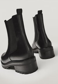 Massimo Dutti - Ankle boots - black - 3