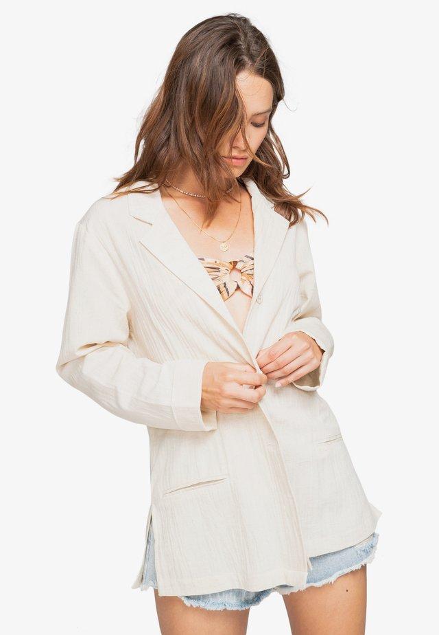 Short coat - natural