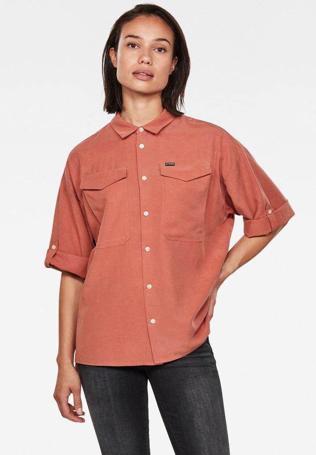 JOOSA BUTTON UP SHORT SLEEVE - Button-down blouse - lt auburn