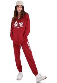 AÉROPOSTALE - Zip-up hoodie - red - 1
