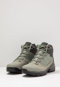 Salomon - OUTWARD GTX - Hiking shoes - shadow/magnet/spruce stone - 2