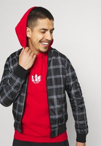 adidas Originals - TREFOIL HOOD UNISEX - Sweatshirt - scarlet - 3