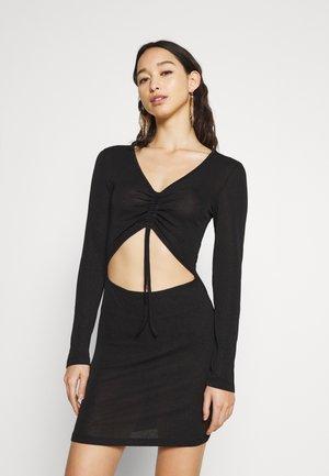 SLINKY RUCHED FRONT DRESS - Žerzejové šaty - black