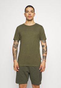 Matinique - JERMANE 3 PACK - Basic T-shirt - black/grey/olive - 3