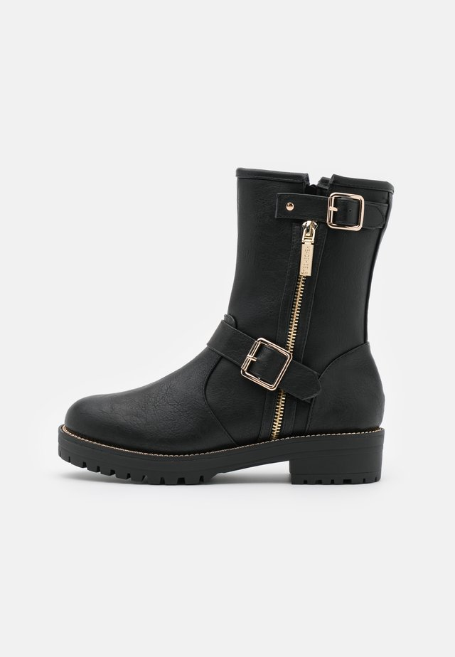 RENNI - Bottines à plateau - black