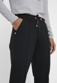 Barbour International - BANKSO TROUSER - Teplákové kalhoty - black - 3