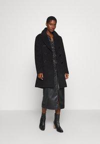 Culture - CUALEIA COAT - Classic coat - black - 1