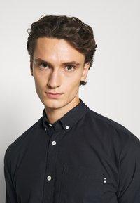 Jack & Jones PREMIUM - JJECLASSIC  - Shirt - navy blazer - 3
