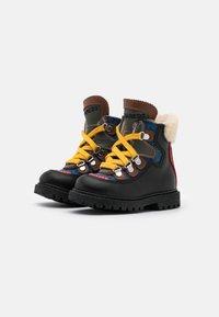 Dsquared2 - Šněrovací kotníkové boty - black/blue - 1