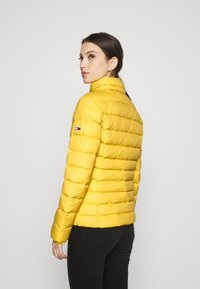 Tommy Jeans - BASIC HOODED JACKET - Doudoune - yellow - 4