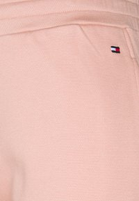 Tommy Hilfiger - TAPERED PANT - Tracksuit bottoms - soothing pink - 2
