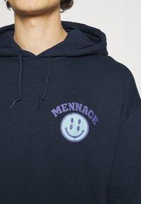 Mennace - TWISTED HOODIE UNISEX  - Sweat à capuche - blue - 5
