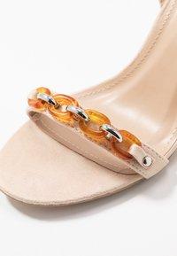 RAID - GIANNI - Sandály na vysokém podpatku - nude - 2