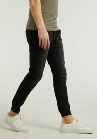 CHASIN' - Jeans Tapered Fit - black - 2