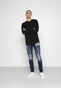 Alessandro Zavetti - MIRANO CARROT FIT - Slim fit jeans - blue - 1