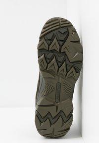 Hi-Tec - RAVUS VENT LITE LOW WATERPROOF - Hiking shoes - olive night/black/cool grey - 4