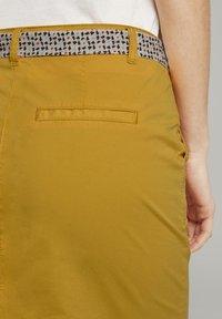 TOM TAILOR - Pouzdrová sukně - deep golden yellow - 5