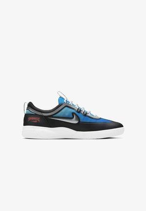 Chaussures de skate - light photo blue