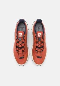Salomon - SUPERCROSS - Běžecké boty do terénu - burnt brick/vanila/india ink - 3