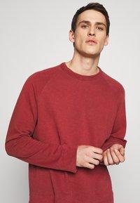 James Perse - VINTAGE RAGLAN - Sweatshirt - claret - 3
