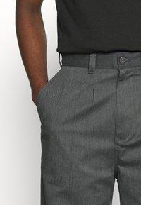 Dickies - CLARKSTON - Pantalon classique - olive green - 4