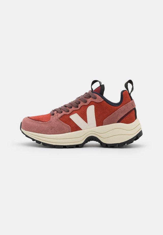 VENTURI - Sneaker low - rouille/dried-petal/pierre