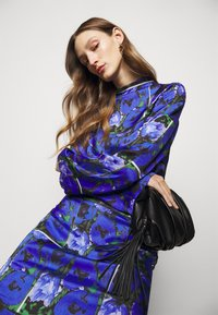 House of Dagmar - PAISLY - Blouse - blue - 3