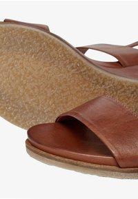 Bianco - Wedge sandals - cognac - 5