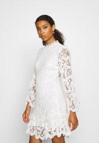 Never Fully Dressed - WHITE GEORGIA MINI DRESS - Kjole - white - 4