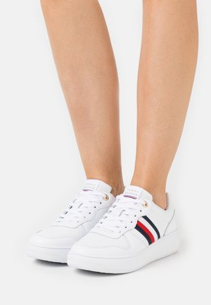TAPE CUPSOLE - Sneakers - white