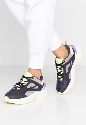 M2K TEKNO - Sneakers - gridiron/atmosphere grey/luminous green/atomic violet/summit white