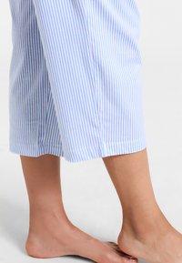 Lauren Ralph Lauren - HERITAGE 3/4 SLEEVE CLASSIC NOTCH COLLAR SET - Pyjama set - french blue/ white - 3
