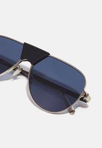 Salvatore Ferragamo - UNISEX - Sluneční brýle - light gold/black - 2