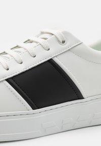 Emporio Armani - Tenisky - white - 5