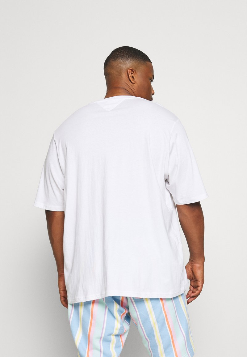 Tommy Jeans Plus - SHADOW TEE - Print T-shirt - white