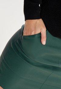 ONLY - ONLBASE  - Falda de tubo - dark green - 4