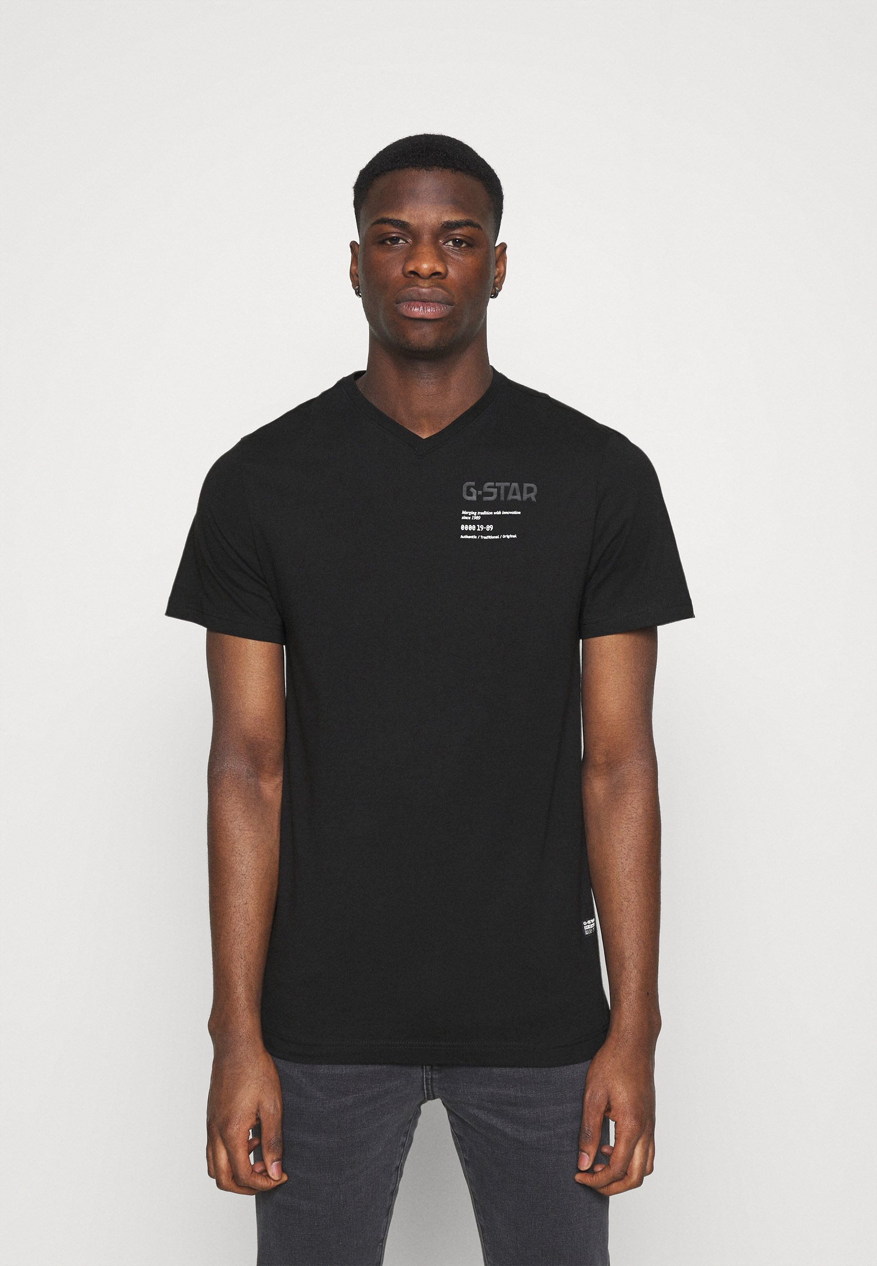 Men CHEST GRAPHIC - Print T-shirt